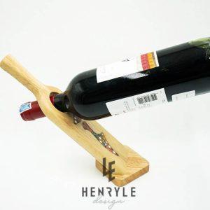 giá để rượu vang đẹp - giá để rượu nghệ thuật bút chì màu