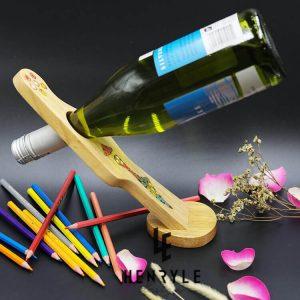 giá để rượu vang nghệ thuật thiếu nữ