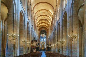 kiến trúc romanesque là gì